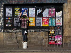 Edinburgh, Europa, Google+1, Personen, Plakate, Schottland, UK